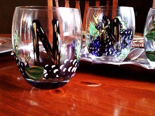 Grape stemless wine glasses